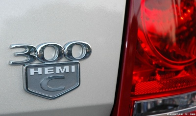 300C HEMI badge on the trunk.