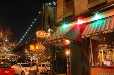 Pete's Downtown Restaurant Next To Brooklyn Bridge