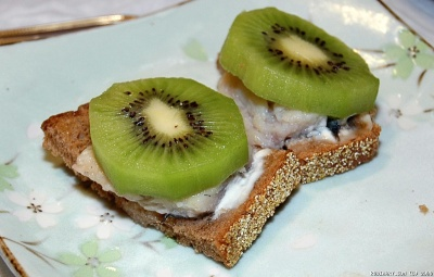 Kiwi and herring appetizer