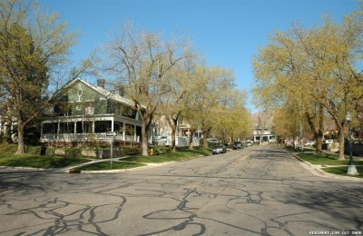 The corner of 2nd Avenue and U Street in Salt Lake City. Cozy looking street.