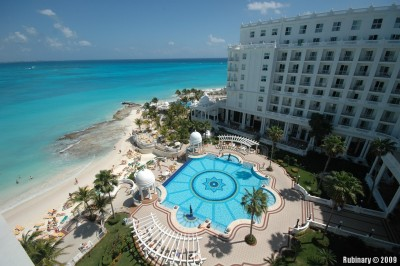 Riu Palace Las Americas resort is located right on the beach.
