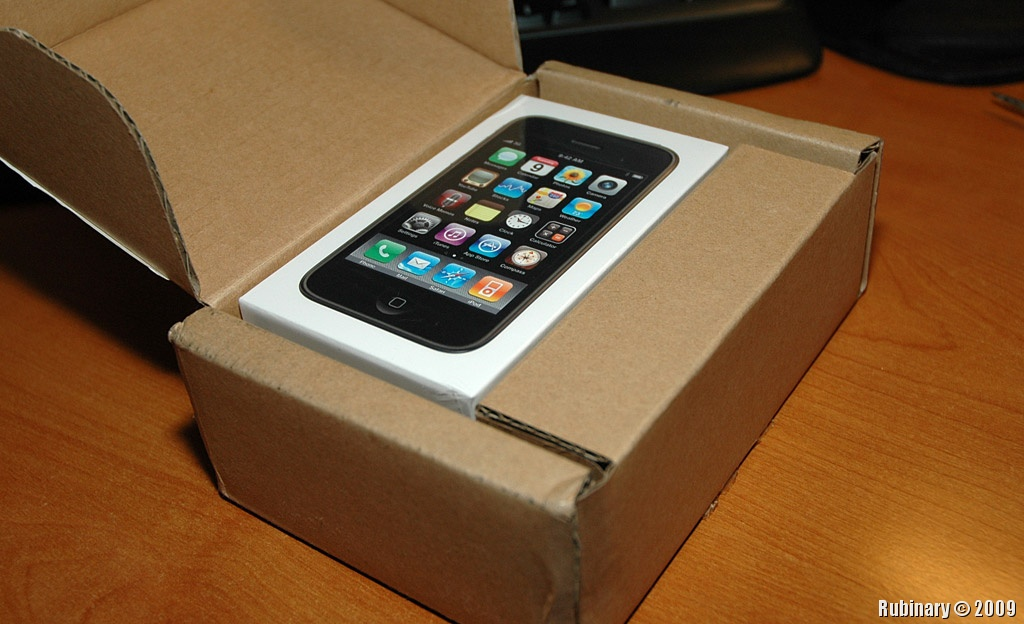 iphone 3g s box inside fedex box