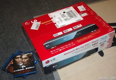 LG BD390 in a box.