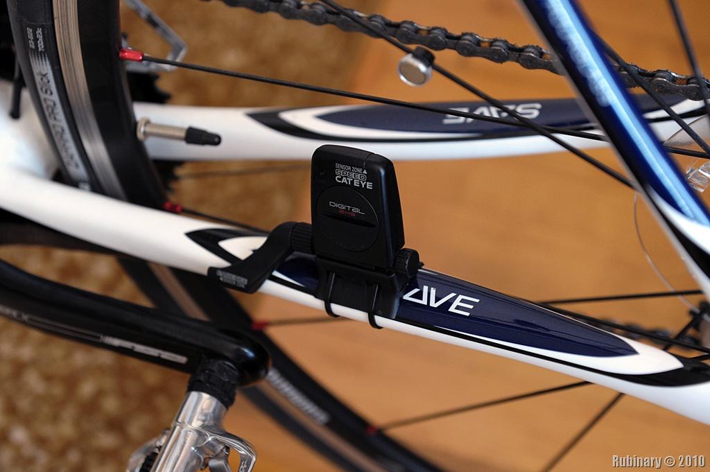 Cateye V3 Cycling Computer Rubinary