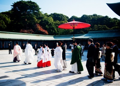 Traditional wedding near the Meiji Shrine.