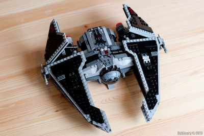 LEGO Star Wars 9500 Sith Fury-class Interceptor.
