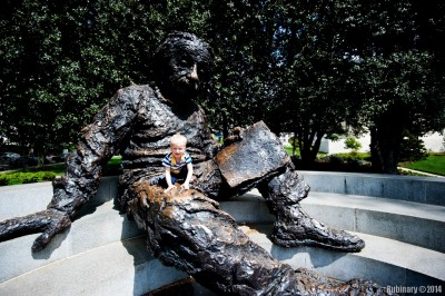 Einstein climbing.
