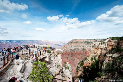Grand Canyon. Many many people.