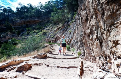 Bright Angel trail down into the canyon.