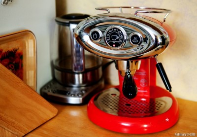 Illy coffee machine.