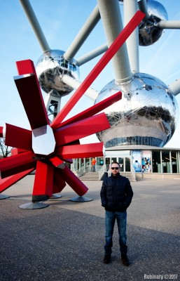 By Atomium.