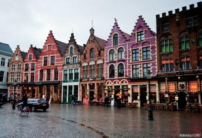 Bruges central square.