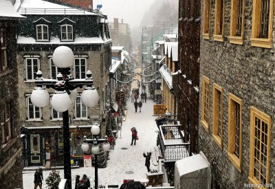 Snow covered Rue du Petit Champlain.