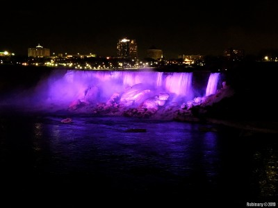 Pretty colors of the falls.