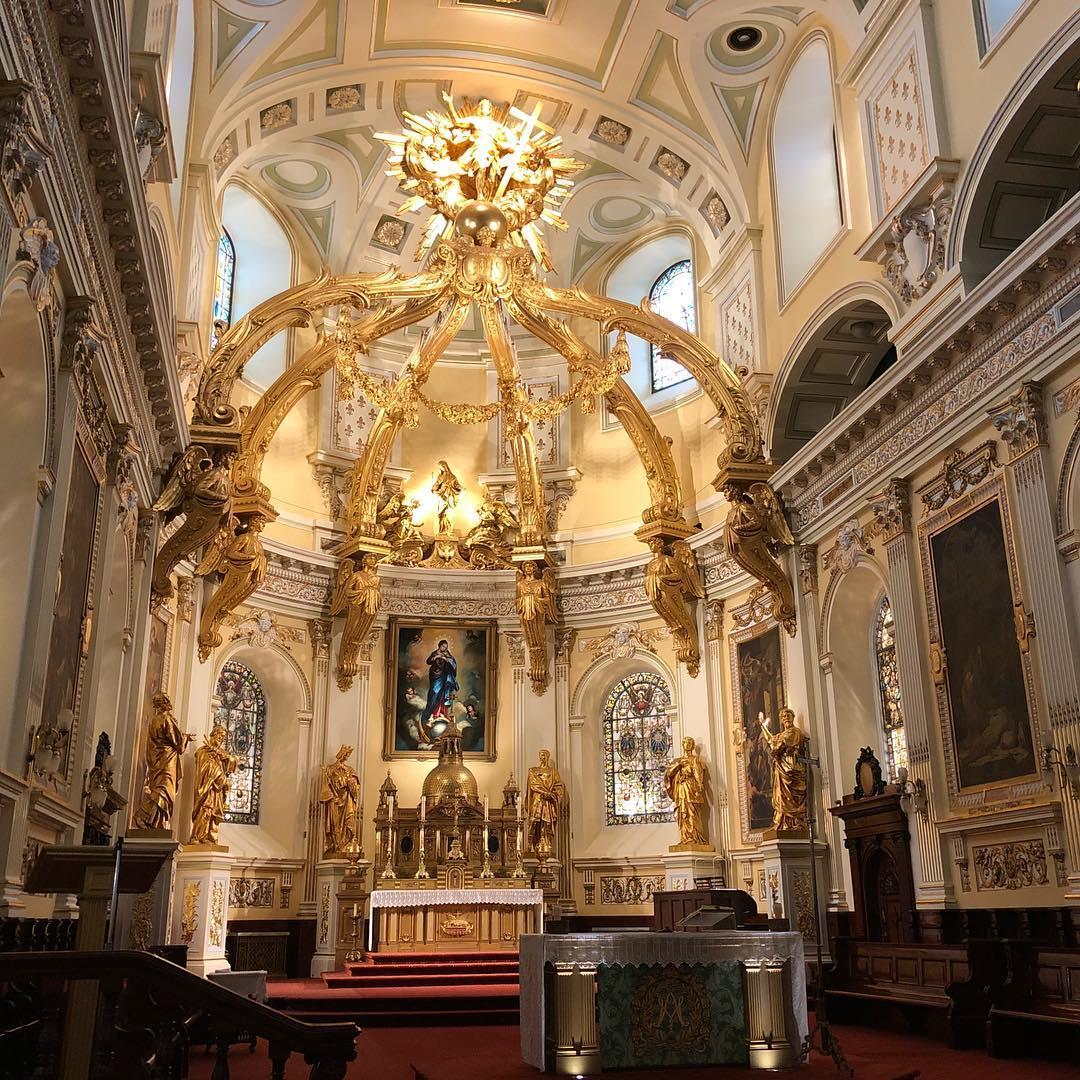 Inside Norte-Dame de Québec